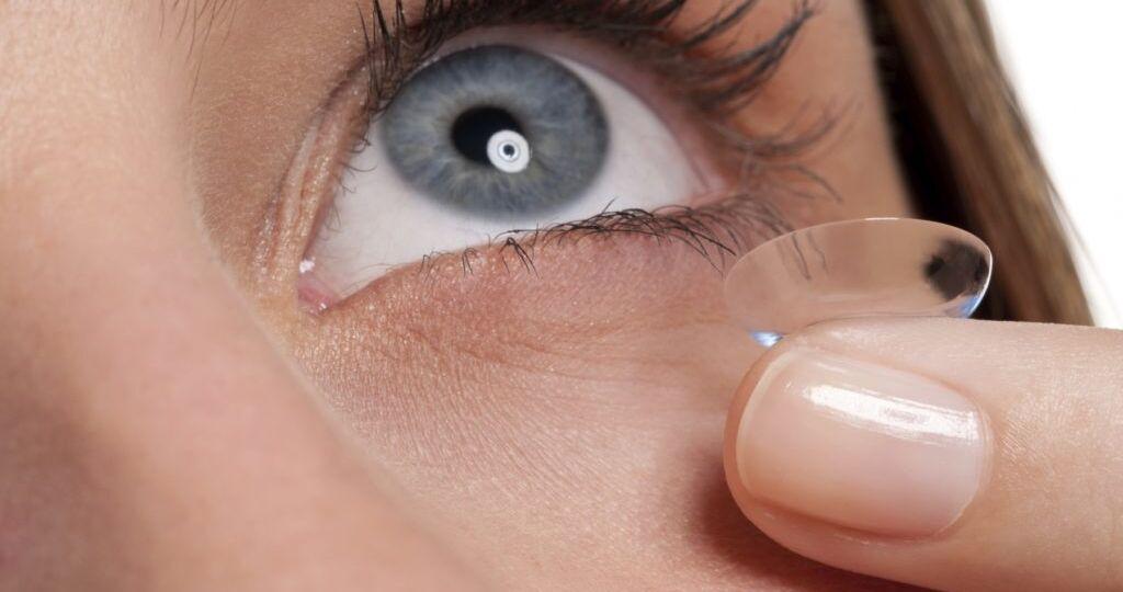 Uso-correcto-de-los-lentes-de-contacto-1024x683